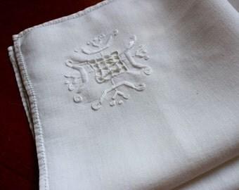 Vintage Linen Napkins 2 Hand Embroidery Cutwork Luncheon Dinner White Wedding Italian