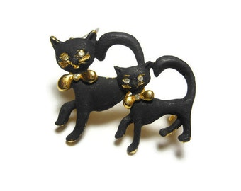 Black cats brooch pin, black enamel pair of cats, mother and child, rhinestone eyes, gold tone base, gold collar, small, animal lover gift!