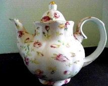 Vintage Shabby Chic Royal Danube Tea Pot Pink Chintz Roses and Cottage Charm Home and Living Kitchen and Dining Entertaining Weddings