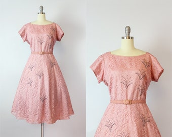 vintage 50s lace dress / 1950s blush pink lace dress / beaded floral lace dress / bridesmaid dress / Delphinium dress