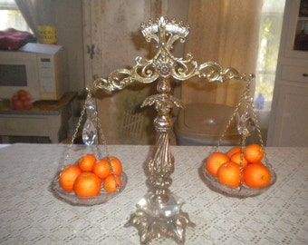 CLEARANCE SALE......Elegant Vintage Scale Style Fruit or Candy Holder, Hollywood Regency, French, Victorian
