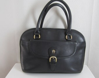 Vintage Etienne Aigner Black Leather Handbag Classic Design Accessory Womens Fashion