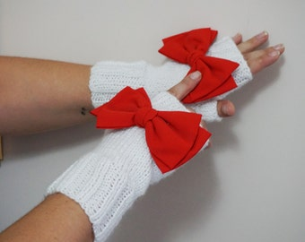 RED Bow Fingerless Gloves, Gloves & Mittens, Gift Ideas, For Her, Winter Accessories, Winter Fashion, Accessories, Fall, Autumn