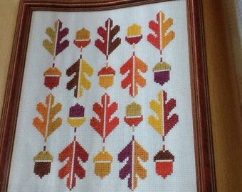 GRAPHIC ACORNS - THANKSGIVING - Cross Stitch Pattern Only