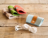 Felt and leather EARPHONE HOLDER, earphone organizer, cable tie, wool felt, handmade, made in Italy