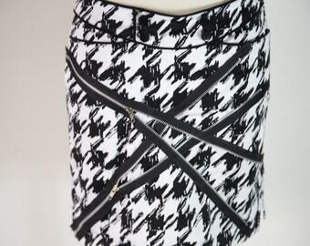 Medium Houndstooth Zipper Skirt