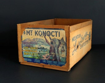 Vintage Fruit Crate Mt Konocti Brand Lake County Mountain Bartlett Pear Wood Shipping Box