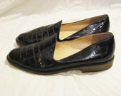 Vintage Shiny Italian Leather Loafer, size 8.5