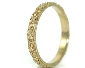 14kt Yellow Gold Hand Engraved Art Deco Design Floral Wedding Band