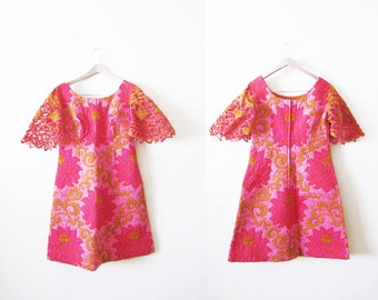 1960s Dress / Tropical Print / Bali Cut / Pink 60s A Line Quilted Floral Mini Dress Medium Large