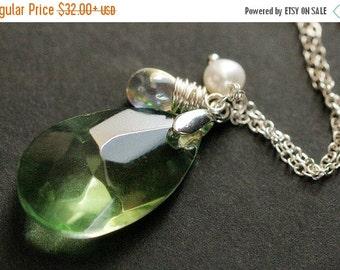 VALENTINE SALE Green Crystal Necklace. Green Crystal Teardrop Necklace with Wire Wrapped Teardrop and Pearl. Teardrop Pendant. Green Crystal