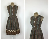 50s Paisley Fit and Flare Cotton Day Dress • 1950s Shirtwaist Sleeveless Dress • Juniors • Petite • Small • XS