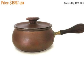 ON SALE Copper Fondue Pot, Vintage Rustic, Made in Italy, Brass Wood Handle, Covered Copper Pan
