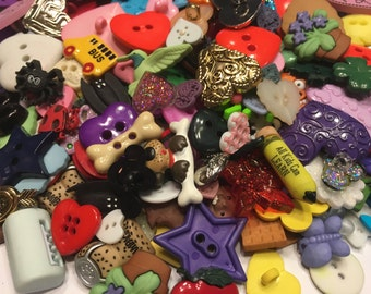 25 piece all kinds of fun button mix, 6-28 mm (B12)