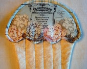 Hydrangea Print Cupcake Potholder with French Script