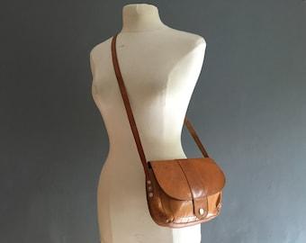 Lightweight leather shoulder bag / satchel