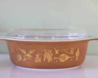 Pyrex Americana Casserole Dish with Lid