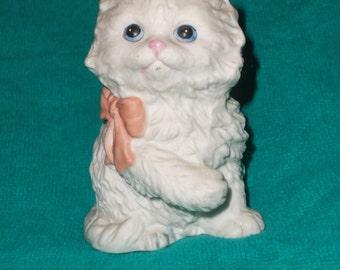 Vintage  White Persian Kitty Figrine