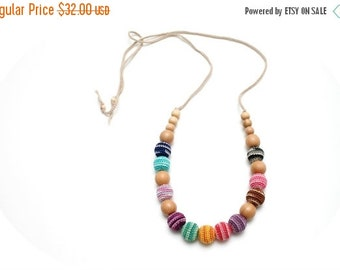 SALE 25% off Colorful organic nursing necklace in juniper by MagazinIL