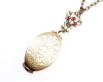 Necklace lockets 4 photos classic