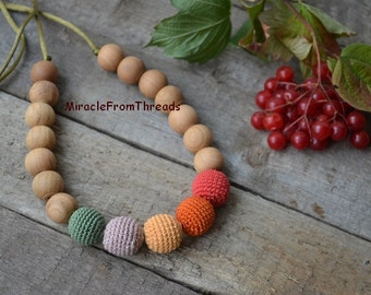 Breastfeeding necklace,Teething necklace, Nursing necklace,For new mom baby, Safe ecofriendly ,Crochet necklace ,Red Green