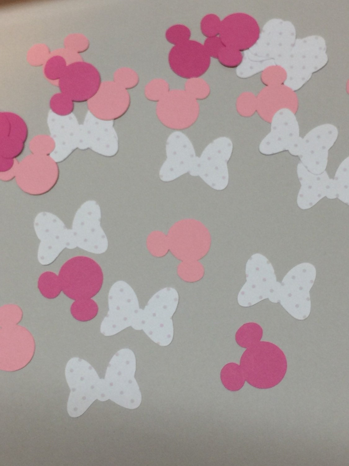 baby shower baby minnie mouse confetti