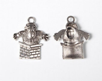 10 Pieces Antique Silver Santa In Chimney Charms