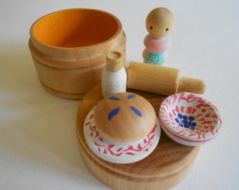 Teeny tiny wood toy round wood box travel set pretend pie rolling pin dishes baker waldorf imaginative play set