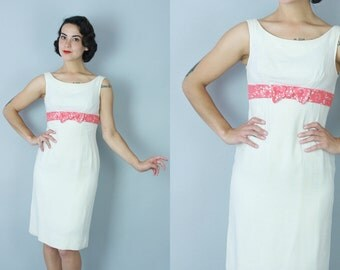 1960s Light Gerbera dress | vintage 60s white sheath dress with coral ribbon | small
