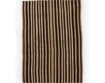 Nomadic Undyed Wool Kilim - 5.5' x 7.75'