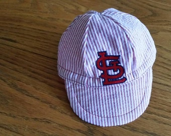 Baby baseball cap for St Louis fans.