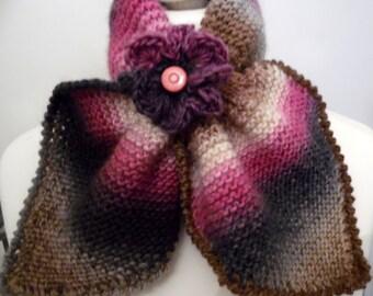 Echarpe tour de cou en pure laine - AURORE  dite Echarpe feuille - création Misty Tuss Tricote