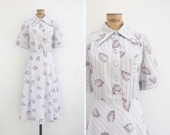 1970s Dress - Vintage 70s Grey Cotton Novelty Print Shirt Waist Dress - Hoja Dress