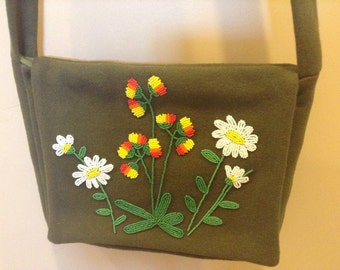 Beaded shoulder bag