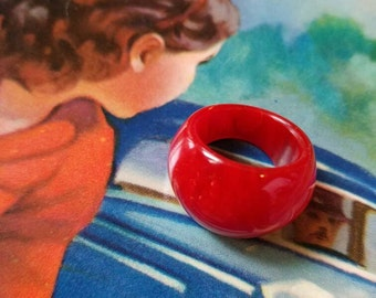 put a ring on it - cherry red Bakelite swirl ring, size 5, retro chunky statement jewelry, simichrome tested