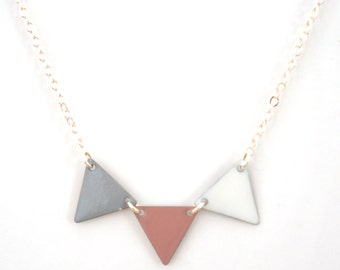 "Necklace ""grey taupe flag white"""