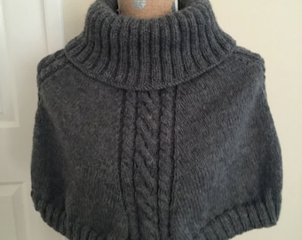Hand Knitted Poncho for Woman with 20% Wool - Oxford Grey