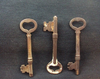 Vintage Keys - Iron Steel & Brass - Fancy Keys