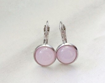Pale, earrings cabochon 10 mm pink, made in Québec, minimalist, resin, jellybean, bridesmaid