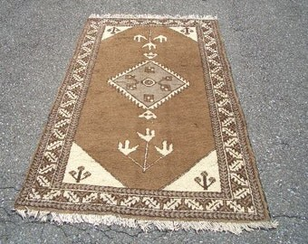 1970s Hand-Knotted Ferdows Persian Rug (3014)