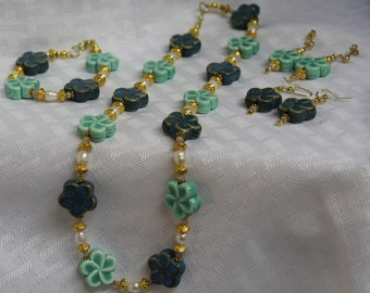 Blue and Green Flower necklace set
