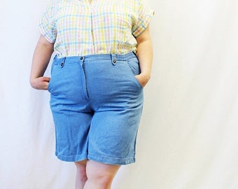 CLEARANCE FINAL SALE - Plus Size - Vintage Denim High Waist Shorts (Size 18)