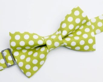 Bow Tie - Green with Polka Dots Bowtie