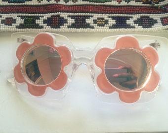 clear fram coral daisy sunglasses