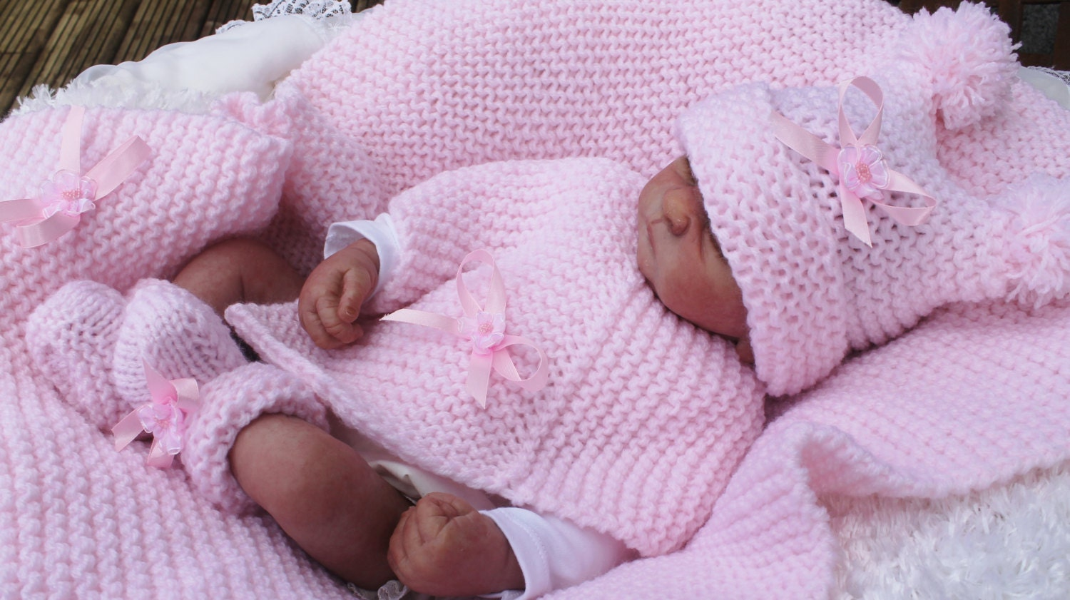baby knitting pattern for chunky poncho hat booties blankets