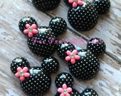 Pretty Minnie inspired Mouse Flatback resin- Polka dot Mouse cabochon- w/ PINK flower * Hair bow center *