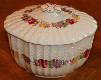 "Copeland Spode ""Rose Briar"" Floral Band Pattern 2/7896 Basketweave Embossed English Ironstone Covered Sugar Bowl"