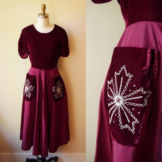 1950s velvet snowflake dress // burgundy // vintage dress
