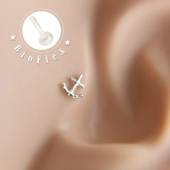 boucles d 39 oreille tragus boucle d 39 oreille tragus plume par lopic. Black Bedroom Furniture Sets. Home Design Ideas