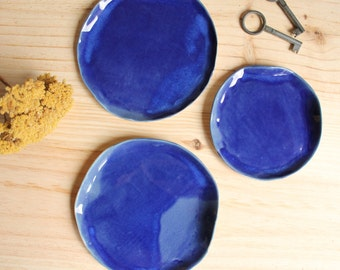 Ring dish Soap dish Stoneware handbuilt little plate Cobalt blue Brilliant glaze - Ready to ship